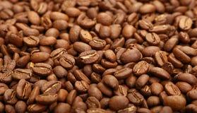 Ψημένη Arabica υψηλή γωνία υποβάθρου φασολιών καφέ Στοκ εικόνα με δικαίωμα ελεύθερης χρήσης
