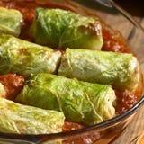 Ψημένο γεμισμένο χορτοφάγος λάχανο κραμπολάχανου Στοκ Φωτογραφίες