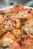 Ψημένο κοτόπουλο με τον ηλίανθο και τα graines και το μέλι κολοκύθας Στοκ Εικόνες