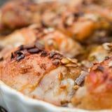 Ψημένο κοτόπουλο με τον ηλίανθο και τα graines και το μέλι κολοκύθας Στοκ Εικόνα
