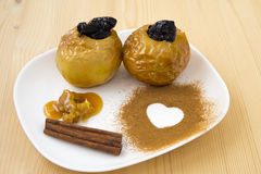 Ψημένο μήλο με το μέλι Στοκ εικόνα με δικαίωμα ελεύθερης χρήσης