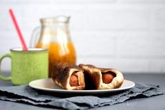 Ψημένο σκόρδο ντοματών λευκαγκαθιών ζύμης λουκάνικων στοκ φωτογραφίες με δικαίωμα ελεύθερης χρήσης