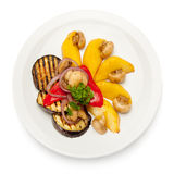 ψημένο στη σχάρα απομονωμένο λευκό λαχανικών πιάτων αντικειμένου Στοκ Εικόνα