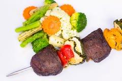 Ψημένο στη σχάρα βόειο κρέας shishkabobs Στοκ φωτογραφίες με δικαίωμα ελεύθερης χρήσης
