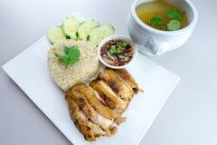 Ψημένο στη σχάρα κοτόπουλο με το ρύζι Στοκ φωτογραφία με δικαίωμα ελεύθερης χρήσης