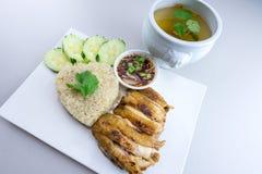 Ψημένο στη σχάρα κοτόπουλο με το ταϊλανδικό ύφος ρυζιού Στοκ Εικόνες