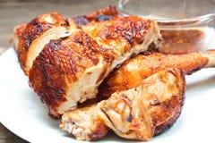 ψημένο στη σχάρα κοτόπουλο πιάτο Στοκ φωτογραφία με δικαίωμα ελεύθερης χρήσης