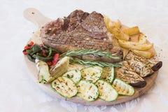ψημένο στη σχάρα κρέας Στοκ φωτογραφία με δικαίωμα ελεύθερης χρήσης