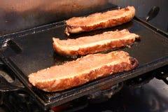 Ψημένο στη σχάρα παχύ βόειο κρέας Στοκ εικόνες με δικαίωμα ελεύθερης χρήσης