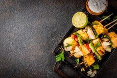 Ψημένο στη σχάρα τυρί Paneer Tikka kebab στοκ φωτογραφίες