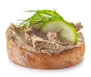 Ψημένο ψωμί με το σπιτικό πατέ συκωτιού στοκ εικόνες