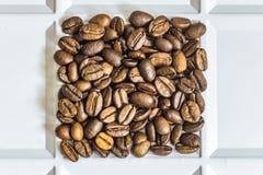 Ψημένο arabica φασολιών καφέ Στοκ εικόνες με δικαίωμα ελεύθερης χρήσης