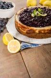 Ψημένο cheesecake λεμονιών βακκινίων Στοκ Φωτογραφία