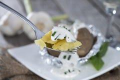 Ψημένο Potatoe σε ένα δίκρανο Στοκ Φωτογραφίες