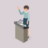Ψηφίζοντας άνθρωποι ενώπιον του ομιλητή στο βήμα Στοκ εικόνα με δικαίωμα ελεύθερης χρήσης