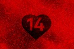 Ψηφίο 14 που χρωματίζεται στην άσπρη καρδιά σε ένα πεζοδρόμιο Στοκ εικόνες με δικαίωμα ελεύθερης χρήσης