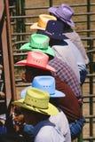 Ψηφιακά αλλαγμένη εικόνα των κάουμποϋ στα ζωηρόχρωμα καπέλα σε έναν ανταγωνισμό ροντέο, θλ*γαλλuπ, Νέο Μεξικό Στοκ φωτογραφία με δικαίωμα ελεύθερης χρήσης
