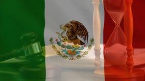 Ψηφιακά ζωτικότητα της μεξικάνικα σημαίας και gavel ελεύθερη απεικόνιση δικαιώματος