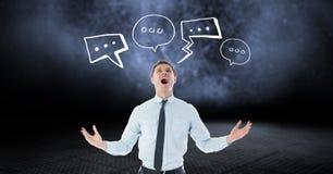 Ψηφιακά παραγμένη εικόνα να φωνάξει επιχειρηματιών με τις φυσαλίδες λόγου στο μαύρο κλίμα Στοκ Εικόνες