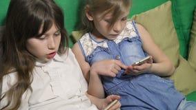 ψηφιακές σύγχρονες συσκευές και εθισμός συσκευών φιλμ μικρού μήκους
