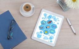 Ψηφιακή έννοια μάρκετινγκ σε μια ψηφιακή ταμπλέτα Στοκ Φωτογραφίες