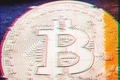 Ψηφιακή δυσλειτουργία εικονοκυττάρου, επίδραση λάθους του χρυσού νομίσματος bitcoin με στοκ εικόνα με δικαίωμα ελεύθερης χρήσης