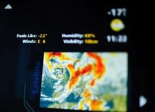 Ψηφιακή διεπαφή πρόγνωσης καιρού σε μια σύγχρονη ψηφιακή επίδειξη Στοκ εικόνα με δικαίωμα ελεύθερης χρήσης