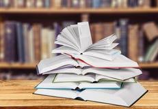 ψηφιακή στοίβα πλέγματος απεικόνισης κλίσεων βιβλίων Στοκ Εικόνες