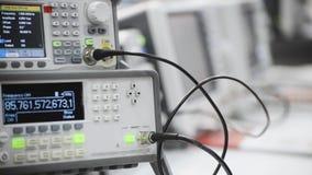 Ψηφιακός ηλεκτρονικός μετρητής συχνότητας απόθεμα βίντεο