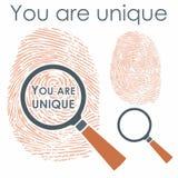 Ψηφιακό δάχτυλο με την ενίσχυση - γυαλί και μήνυμα ελεύθερη απεικόνιση δικαιώματος