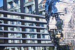 Ψηφιακό πρόσωπο ατόμων στο υπόβαθρο πόλεων Στοκ φωτογραφία με δικαίωμα ελεύθερης χρήσης