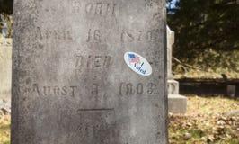 Ψηφοφορία της αυτοκόλλητης ετικέττας σε ένα νεκροταφείο Στοκ φωτογραφία με δικαίωμα ελεύθερης χρήσης