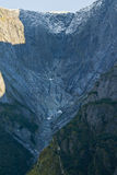 Ψηλά βουνά κοντά στον παγετώνα Mendelhall Στοκ Εικόνες