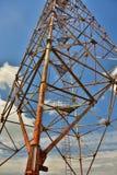 ψηλή και μεγάλη εγκατάσταση γεώτρησης στον Καρπάθιο Στοκ Εικόνες