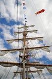Ψηλοί ιστοί σκαφών με τα ξάρτια Στοκ Εικόνα