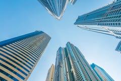 Ψηλοί ουρανοξύστες μαρινών του Ντουμπάι στα Ε.Α.Ε. Στοκ Εικόνα
