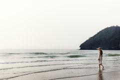 Ψυχρή ήρεμη έννοια ταξιδιών διακοπών θερινών ακτών ειρήνης Στοκ φωτογραφία με δικαίωμα ελεύθερης χρήσης