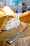 Ψωμί έτοιμο εξυπηρετημένος για το πρόγευμα Στοκ εικόνα με δικαίωμα ελεύθερης χρήσης