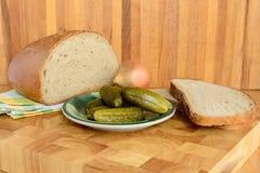 Ψωμί και αγγούρι στοκ εικόνα
