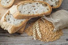 Ψωμί και δημητριακά στοκ φωτογραφίες