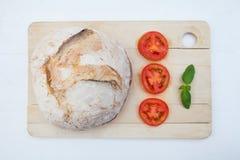 Ψωμί και ντομάτες Στοκ φωτογραφίες με δικαίωμα ελεύθερης χρήσης