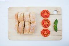 Ψωμί και ντομάτες Στοκ φωτογραφία με δικαίωμα ελεύθερης χρήσης