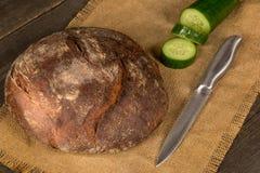 Ψωμί και πράσινα στοκ φωτογραφία με δικαίωμα ελεύθερης χρήσης