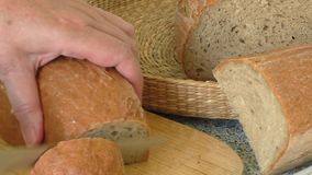 Ψωμί και φέτες ψωμιού απόθεμα βίντεο