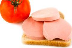 Ψωμί, λουκάνικο και ντομάτα Στοκ εικόνες με δικαίωμα ελεύθερης χρήσης