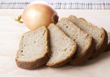 Ψωμί με τα κρεμμύδια Στοκ φωτογραφίες με δικαίωμα ελεύθερης χρήσης
