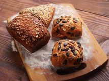Ψωμί με τους ρόλους στοκ φωτογραφία με δικαίωμα ελεύθερης χρήσης