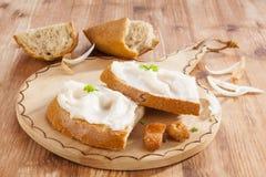 Ψωμί με το λαρδί και τα γρατσουνίσματα Στοκ Φωτογραφία