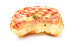 Ψωμί με BBQ το χοιρινό κρέας στην κορυφή με τα δαγκώματα στο λευκό στοκ φωτογραφία με δικαίωμα ελεύθερης χρήσης