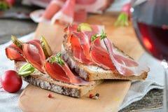 ψωμί μπέϊκον Στοκ Εικόνες